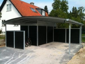 Stål carport med redskabsrum